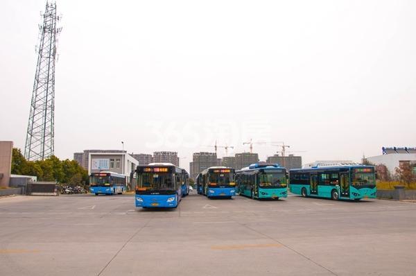 中国铁建・燕山国际城 新二中车站 201801
