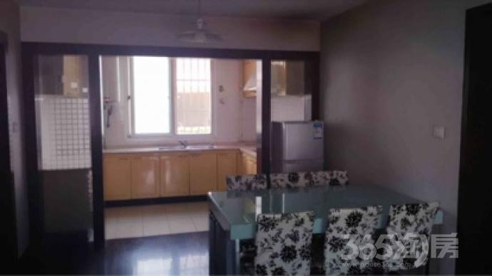 新加花园3室2厅2卫114平米整租精装