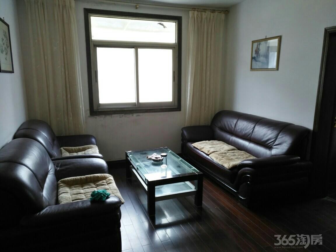 冰冻街小区3室2厅2卫95平米98年产权房精装
