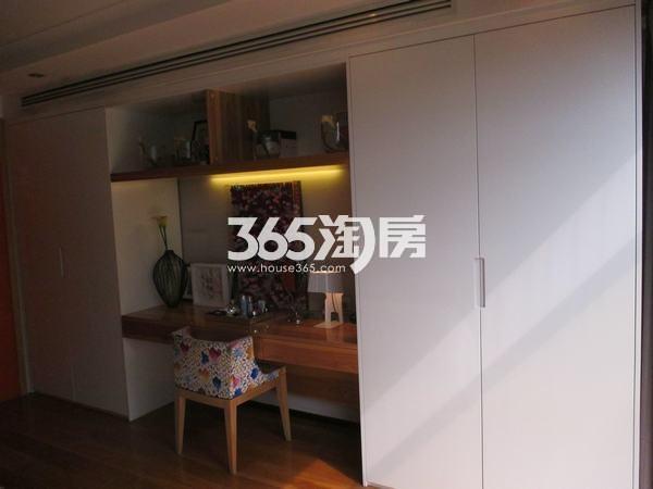 国润城A3号楼LOFT39.58平米样板间梳妆台