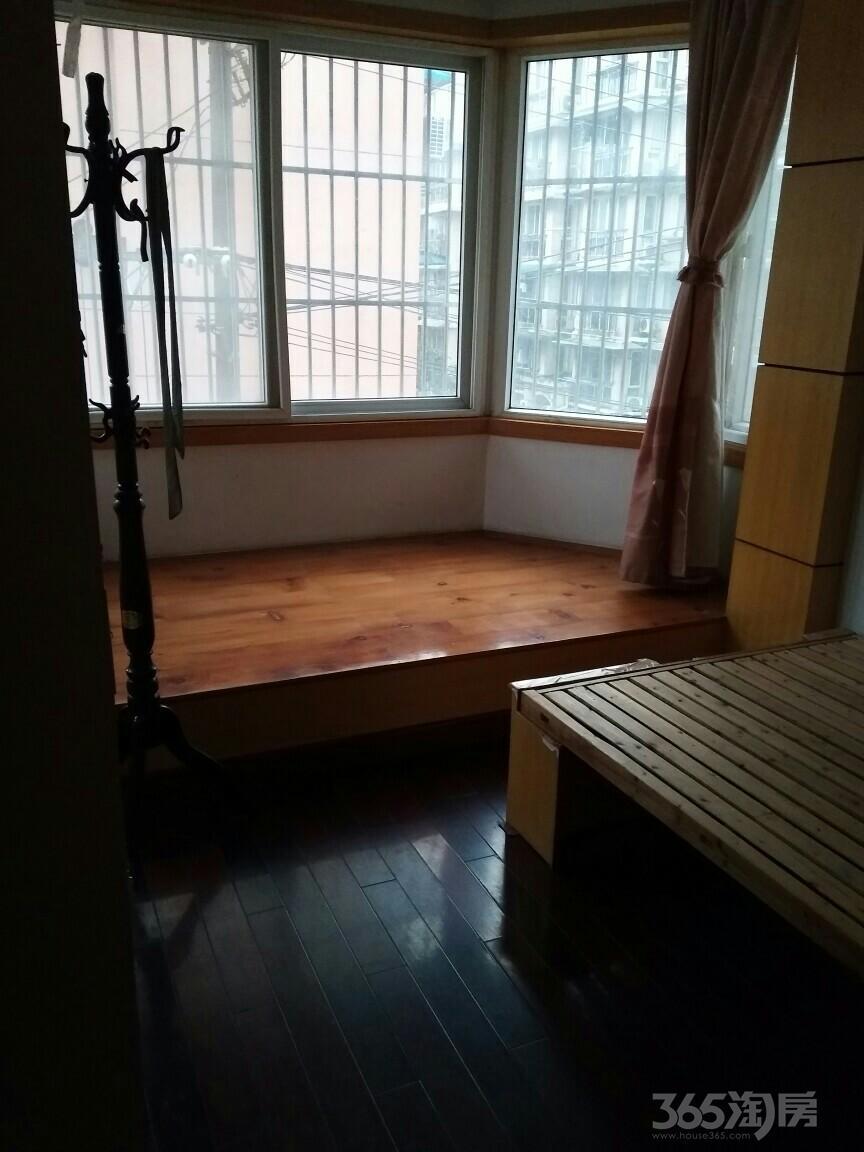 润安花园3室2厅1卫101平米整租精装