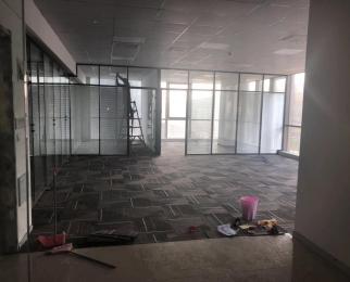 绿地之窗南广场 精装修 玻璃隔断 房型方正采光好 24小时