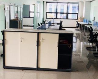 马群科技创业中心 金马路地铁口 精装可注带家具 户型方正
