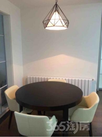 保利罗兰香谷3室2厅1卫88平米精装产权房2014年建