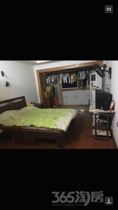 梅苑新村4室2厅2卫158平米整租精装