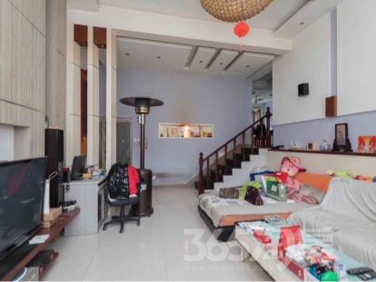 秦淮绿洲5室2厅3卫179平米精装产权房2007年建