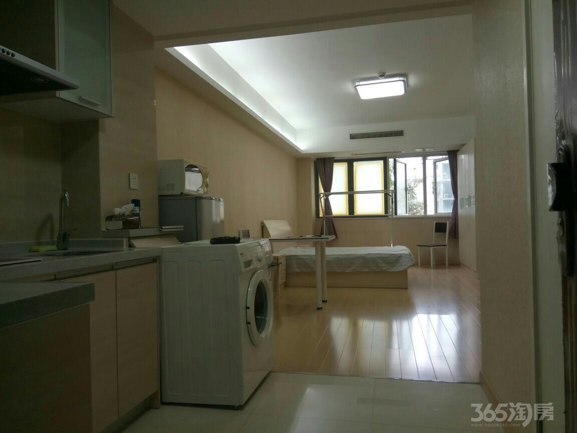 峨嵋公寓1室0厅1卫52㎡整租精装