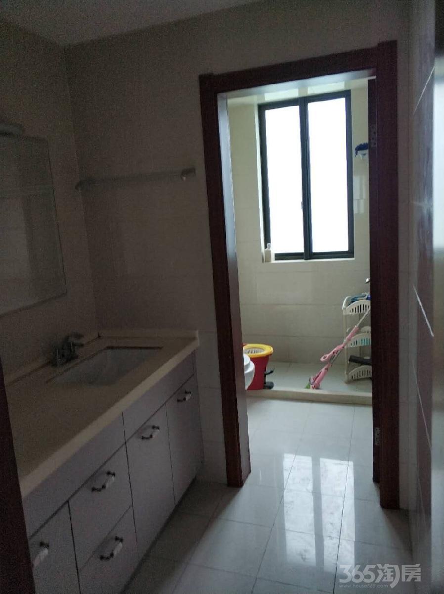 天地源水墨三十度3室2厅2卫123平米整租精装