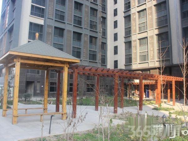 唐延路与科技一路交汇高新CBD核心地带静悦唐遗址公园