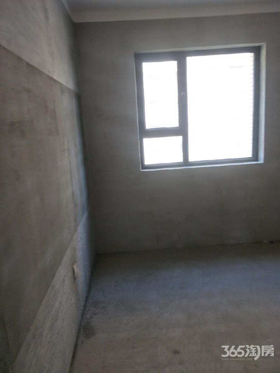 恒昌万象天地2室1厅1卫88平方产权房毛坯