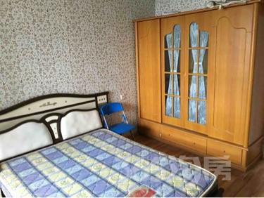 保利香槟国际5室0厅2卫125平米整租简装