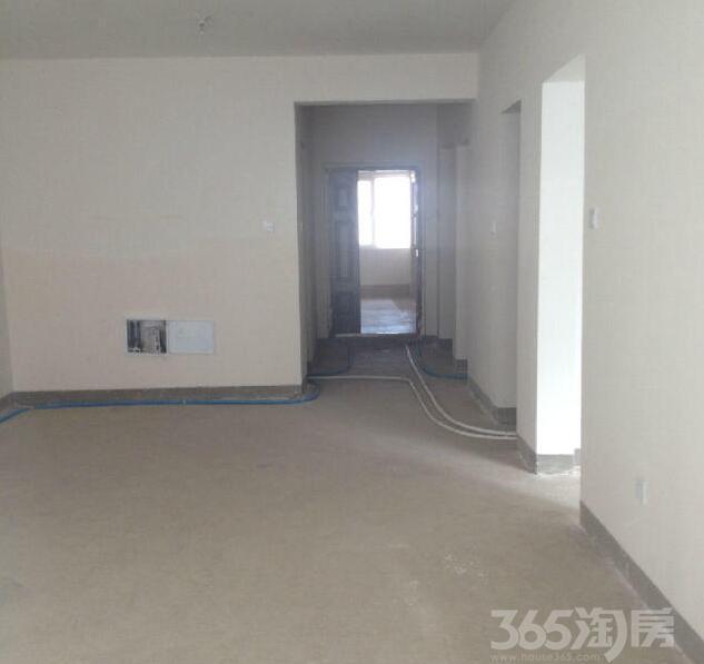 银滩雅苑2室2厅1卫92�O2014年产权房毛坯