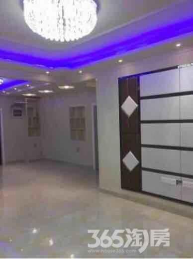 绿地国际花都2室2厅1卫93平米毛坯产权房2010年建