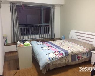 急转租房送半个月房租和家具带独卫精装