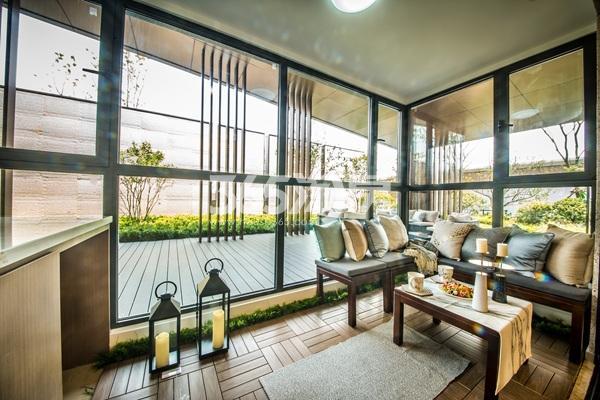 绿地海悦110㎡样板间阳台