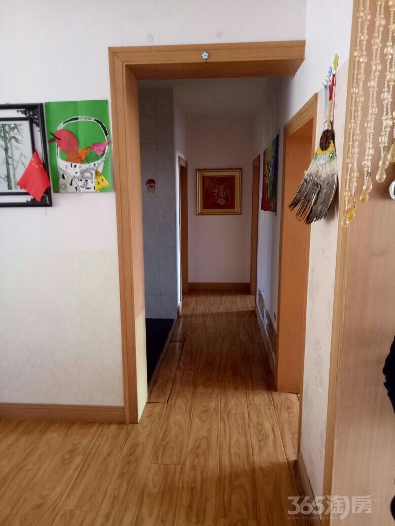 兴河东一区3室1厅1卫95平米2003年使用权房中装