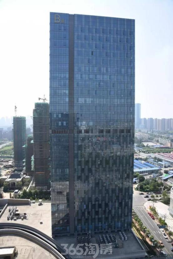 绿地中心B座写字楼外部实景(2017.12.1)