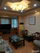 太湖花园二期4室精装修随时看房3开间朝南全明小区中心位置