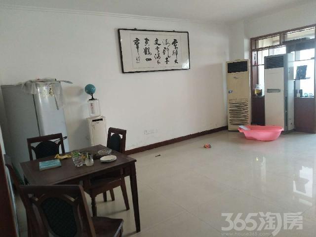 香港街西头3室1厅1卫120�O整租中装