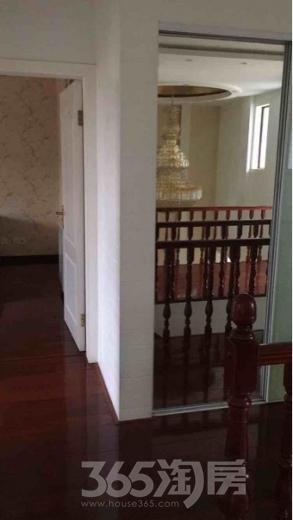 山水风华园4室2厅2卫178�O整租精装