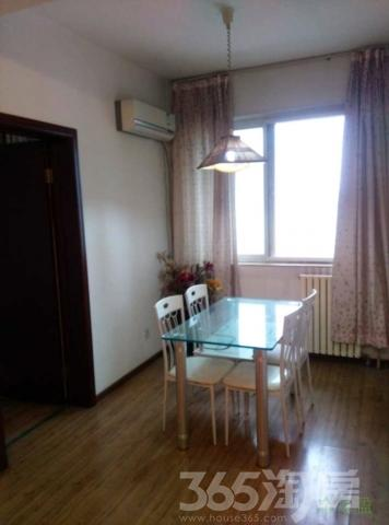 阳光嘉庭 2室1厅1厨1卫 中装 西北 835平 捡漏房