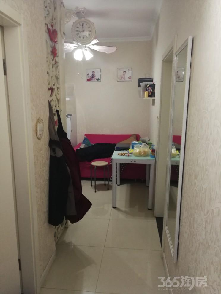象房村小区2室1厅1卫50平米1995年产权房豪华装