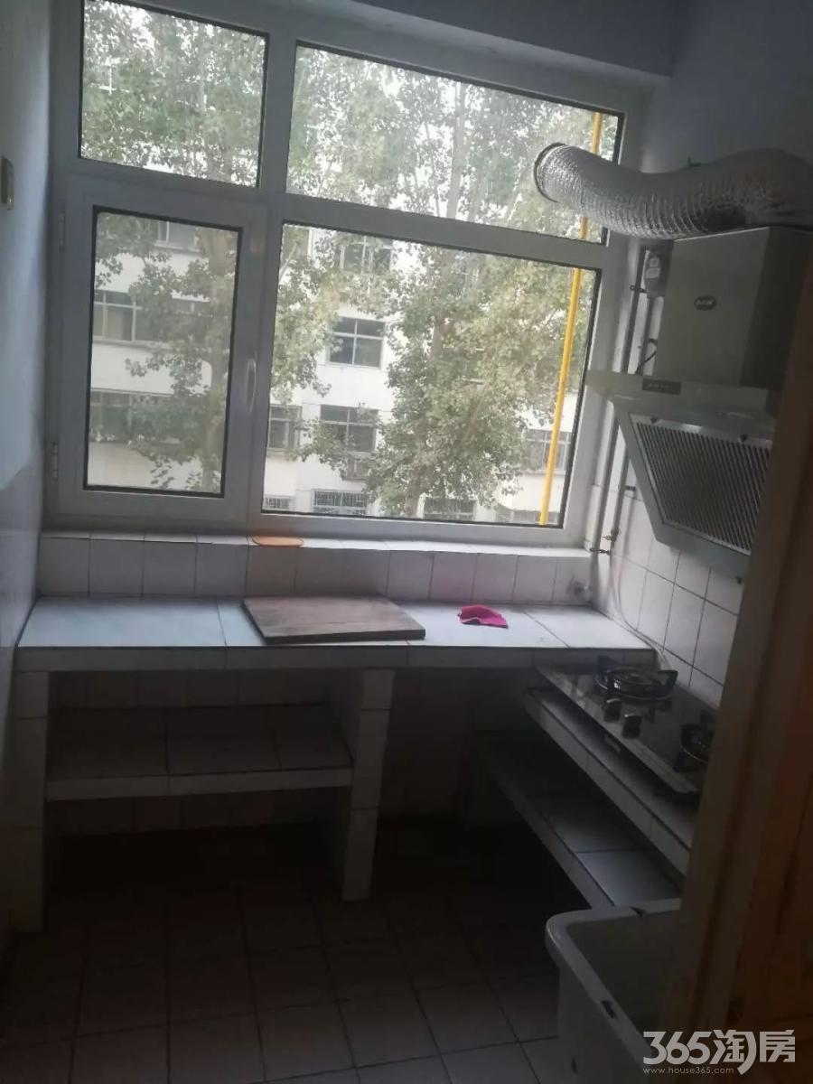 大学路学院西邻 肖何庄 两室朝阳 家具齐全 干净整洁 拎包入住