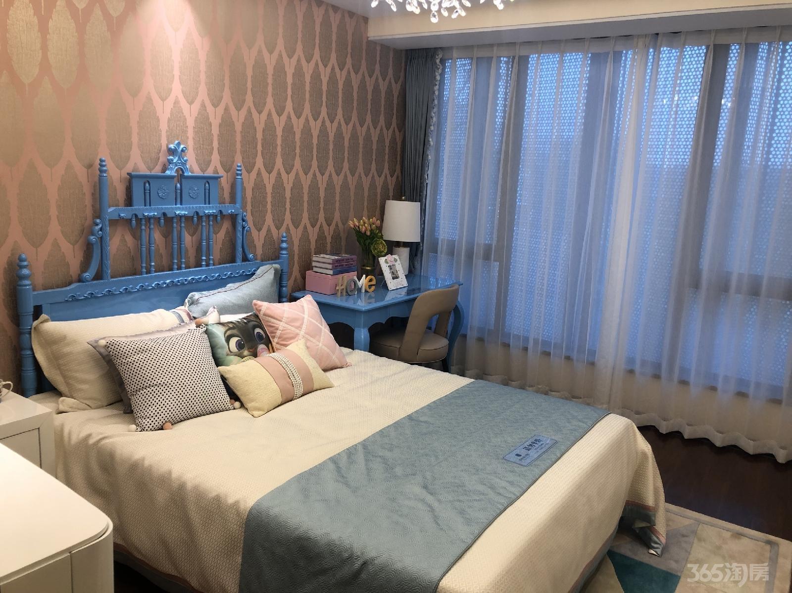柳岸春风3室2厅2卫90平米中装产权房2016年建