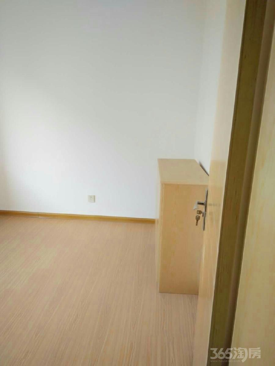 丽岛新苑3室1厅1卫93平米整租精装