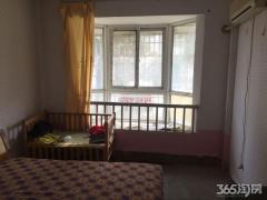 向阳小区 简装一室 一厅 房间现铺木地板 暖心房东