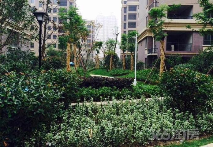 江海儒林新城4室2厅2卫130平米2015年产权房毛坯