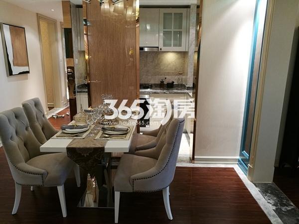 长泰国际社区120平样板间餐厅