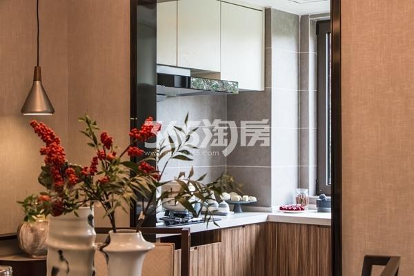 鸿坤理想湾124平洋房樾熙户型样板间厨房