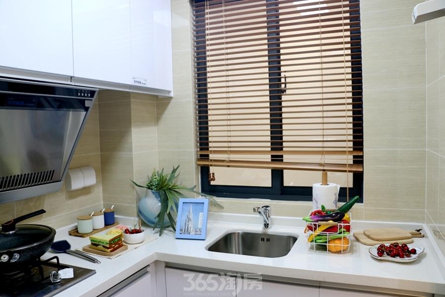 信达蓝湖郡星公馆47平样板间-厨房