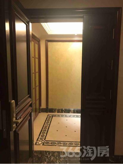 绿城水晶蓝湾4室2厅2卫241.02平米整租豪华装