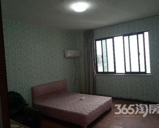 五河苑4室2厅2卫135�O合租不限男女简装