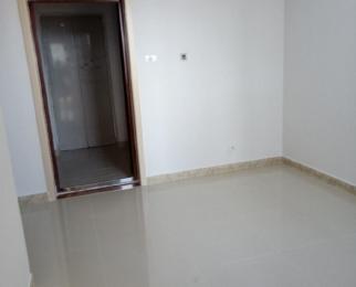 东方之星2室1厅1卫47平方产权房精装