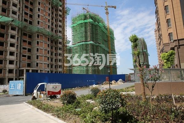 御水龙庭 在建楼栋(从左至右 7、8、9#) 201711