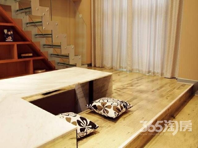 市中心港龙精装现房公寓均价7500/�O性价比高