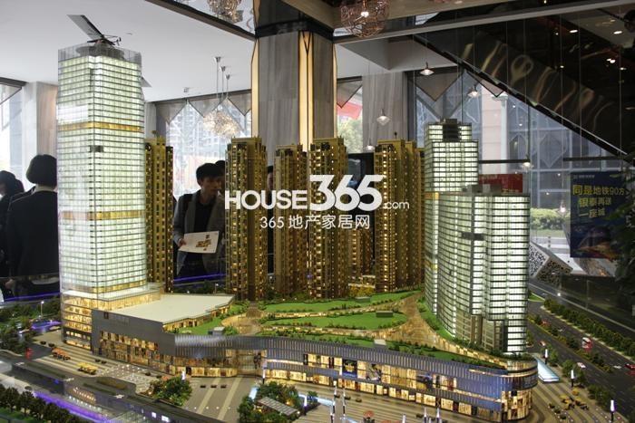 理想银泰城项目现场售楼处沙盘实景图(2015.4)