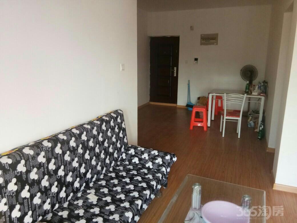 苏宁环球城市之光2室2厅1卫95平米合租简装