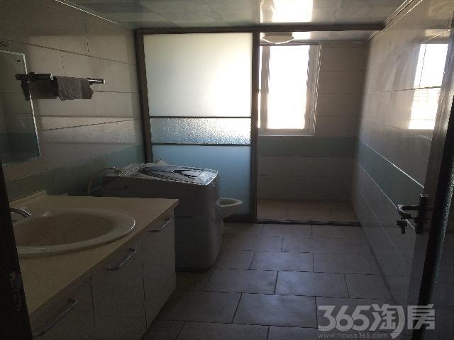 莲花6区3室2厅2卫155�O整租精装