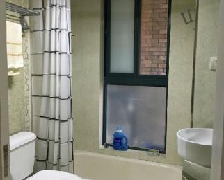 翠屏国际城3室2厅2卫137平方产权房精装正南北急售