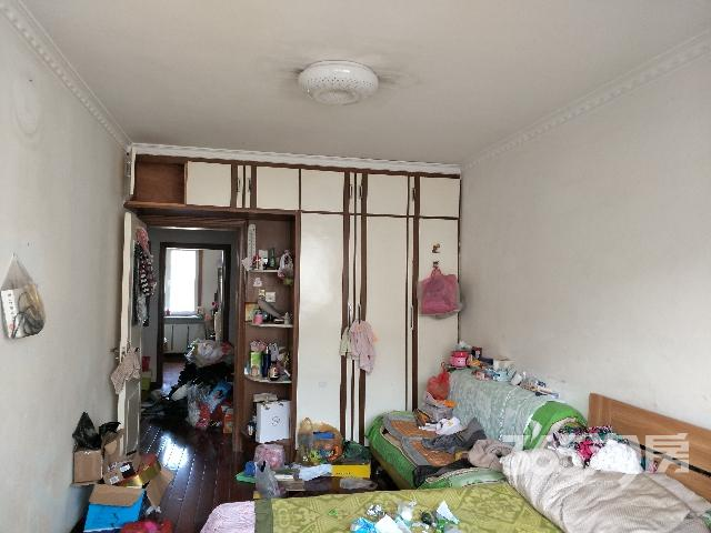 急售保工街劳动公园狮城花园二室一厅住宅!