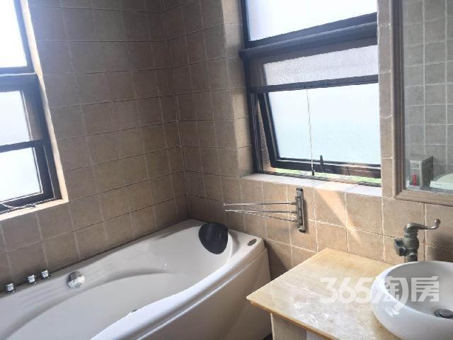新湖明珠城·米兰苑3室1厅2卫122㎡整租豪华装
