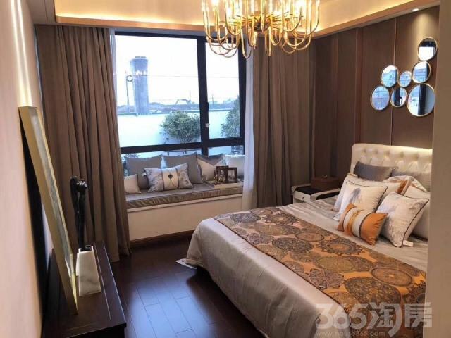 海宁航海轻轨口3室2厅2卫95�O2015年产权房