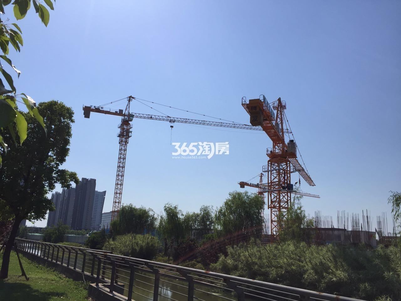 绿地华侨城海珀滨江(5.17)