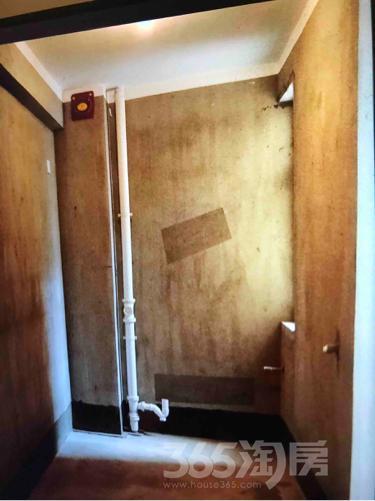 和春华府3室2厅1卫92平米整租毛坯