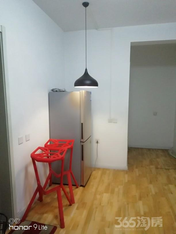 双港新家园善和园3室1厅1卫15平米合租精装