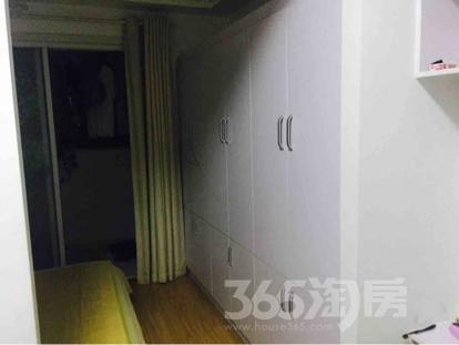 亚泰财富中心1室2厅2卫55平米整租精装